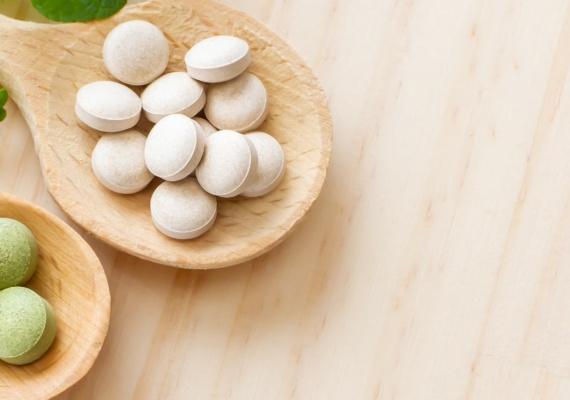 Pharma_Tabletten_AdobeStock_331095022 - breit